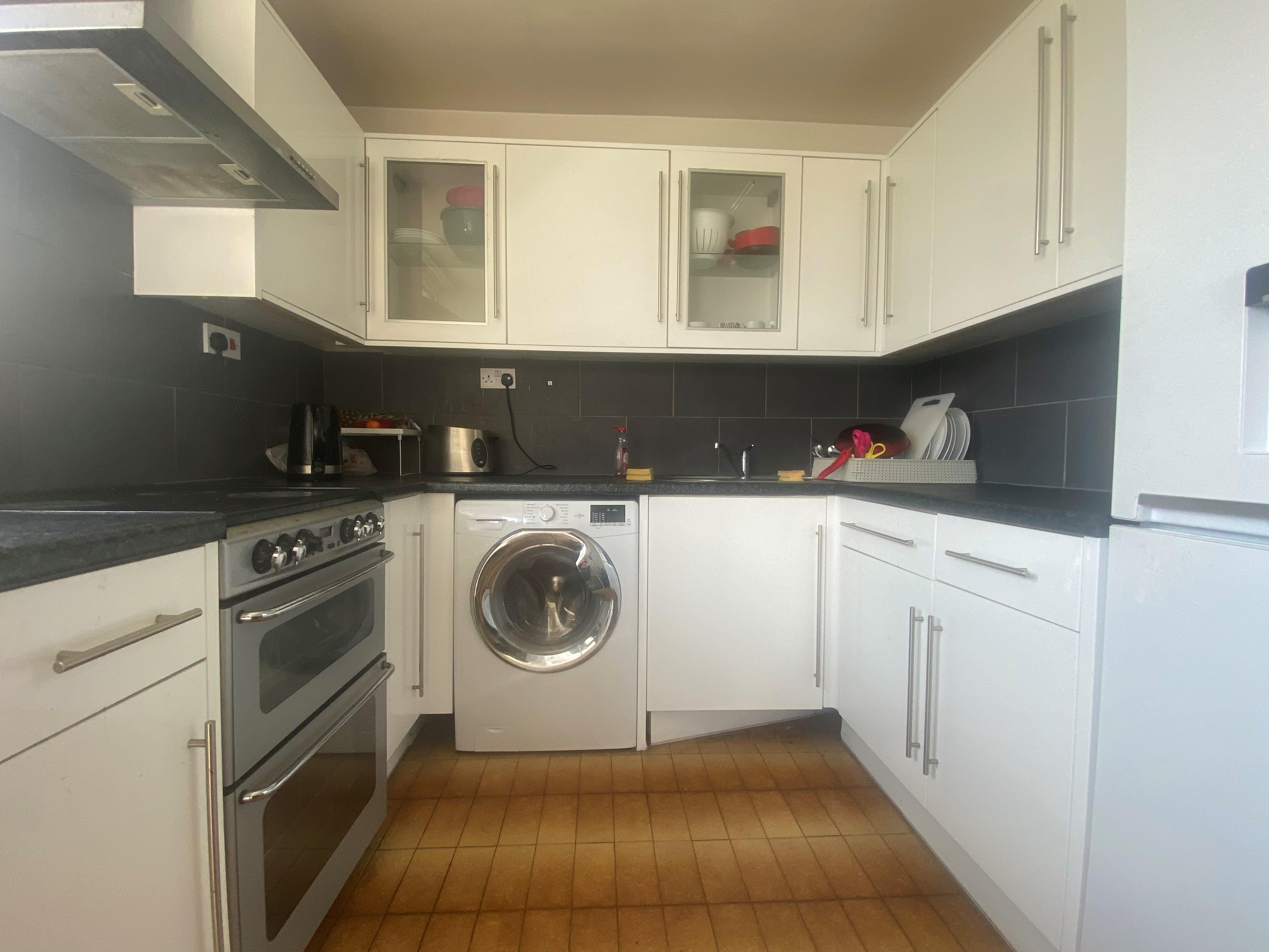 customer_1/branch_1/client_46455/sale_property/kitchen_1629460960.jpeg