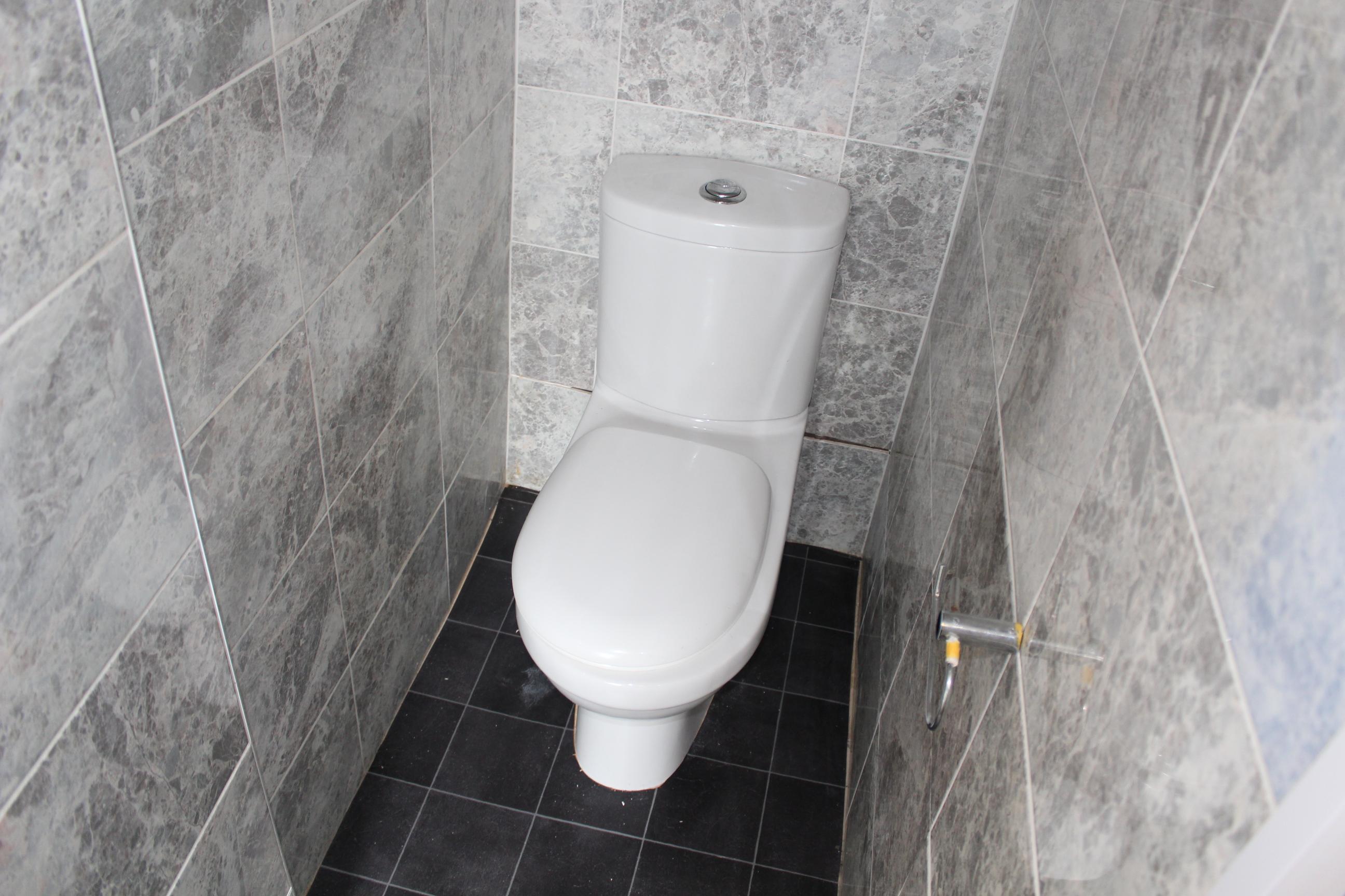 customer_1/branch_3/client_43151/sale_property/bathromw_1592227181.jpeg
