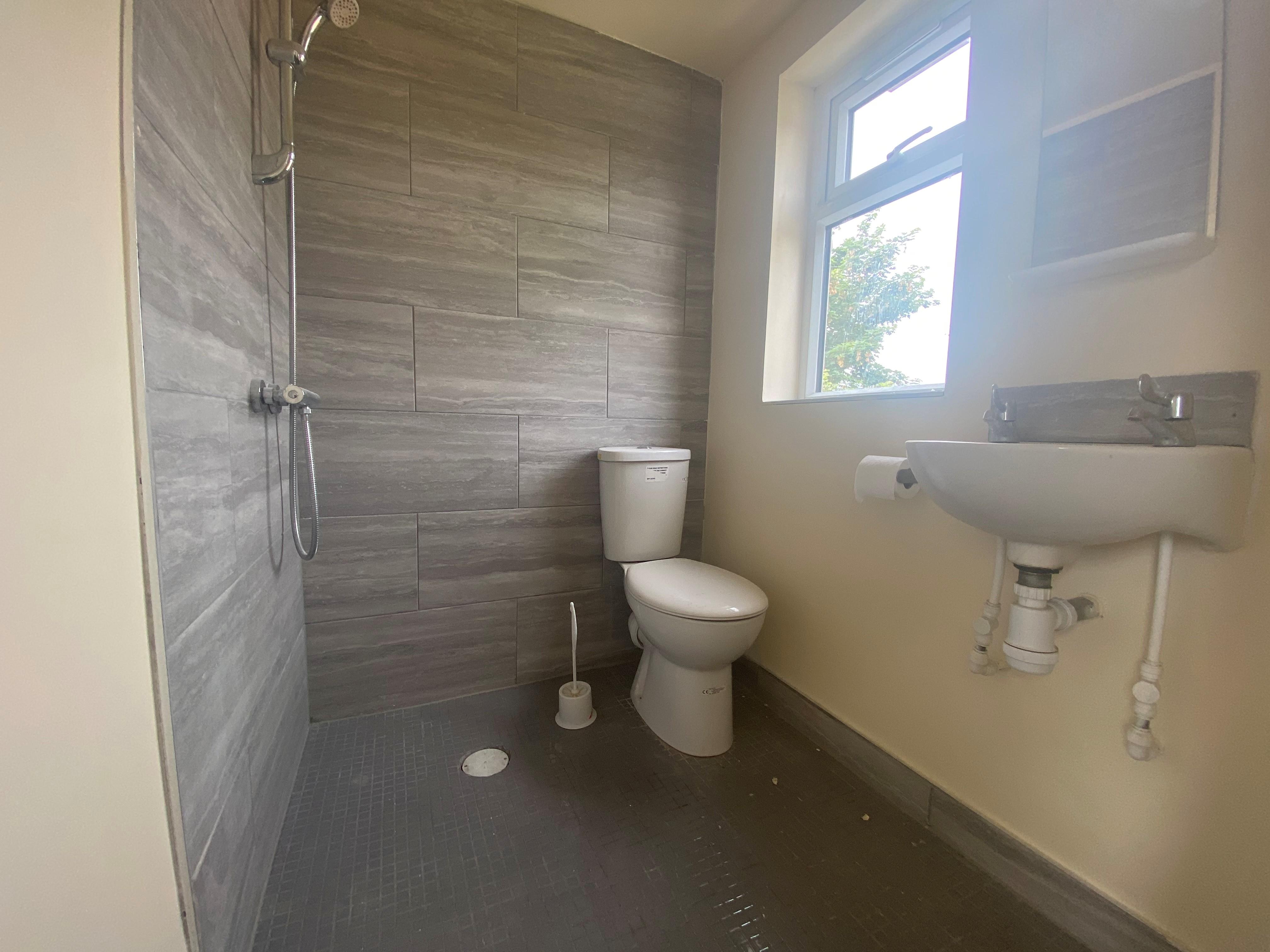 customer_1/branch_5/client_46189/sale_property/bathroom_1625830109.jpeg